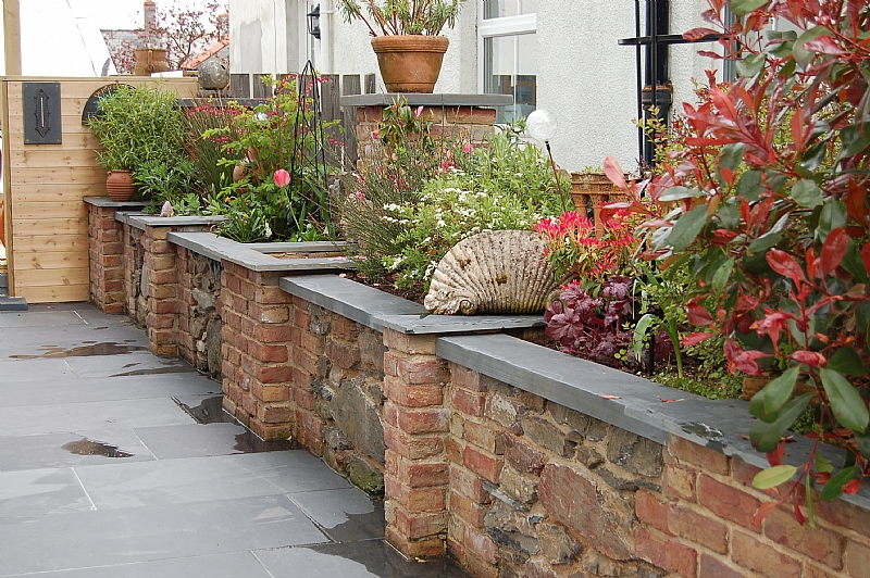 Exterior Paving And Wall Coping Using 40mm Thick Brazilian Slate