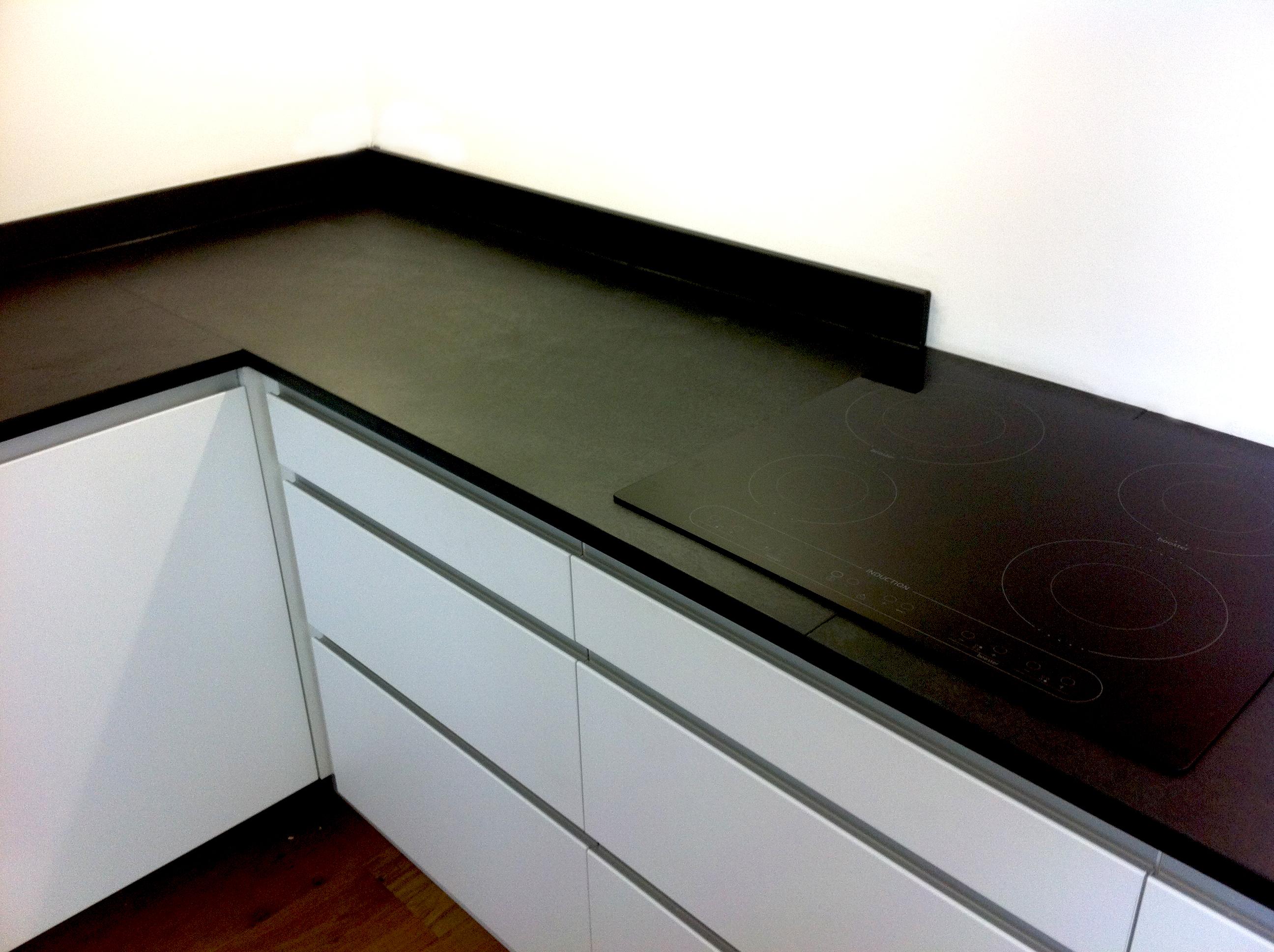 Photographs of slate kitchen worktops work surfaces sink surrounds - Stylishly modern kitchen islands additional work surface ...