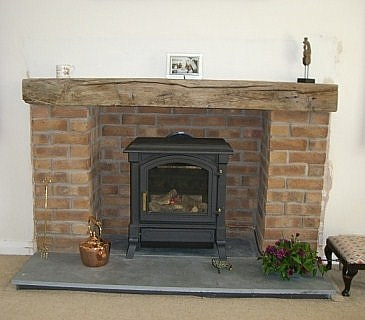 Fireplace hearths in slate and natural stone custom made for Floor hearth