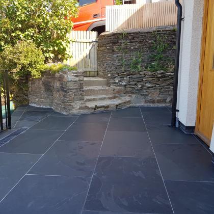 Brazilian graphite black riven slate flagstones 900 x 600 x 20mm