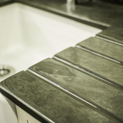 Belfast sink with drainer