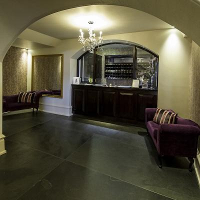 Slate flagstones from Ardosia laid in a hotel reception