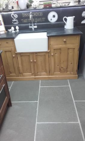 Natural limestone floor tiles with sink from Ardosia