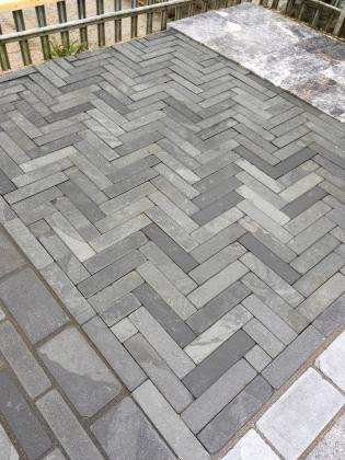 Paving slate stones with parquet pattern