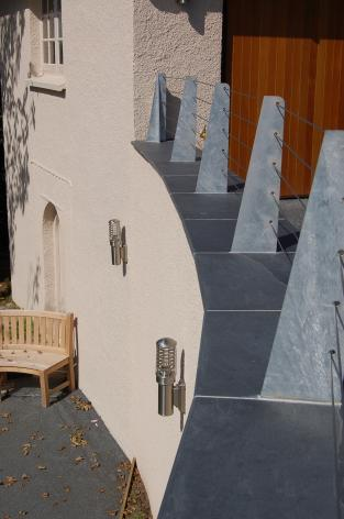 Slate balcony sills with safety barrier
